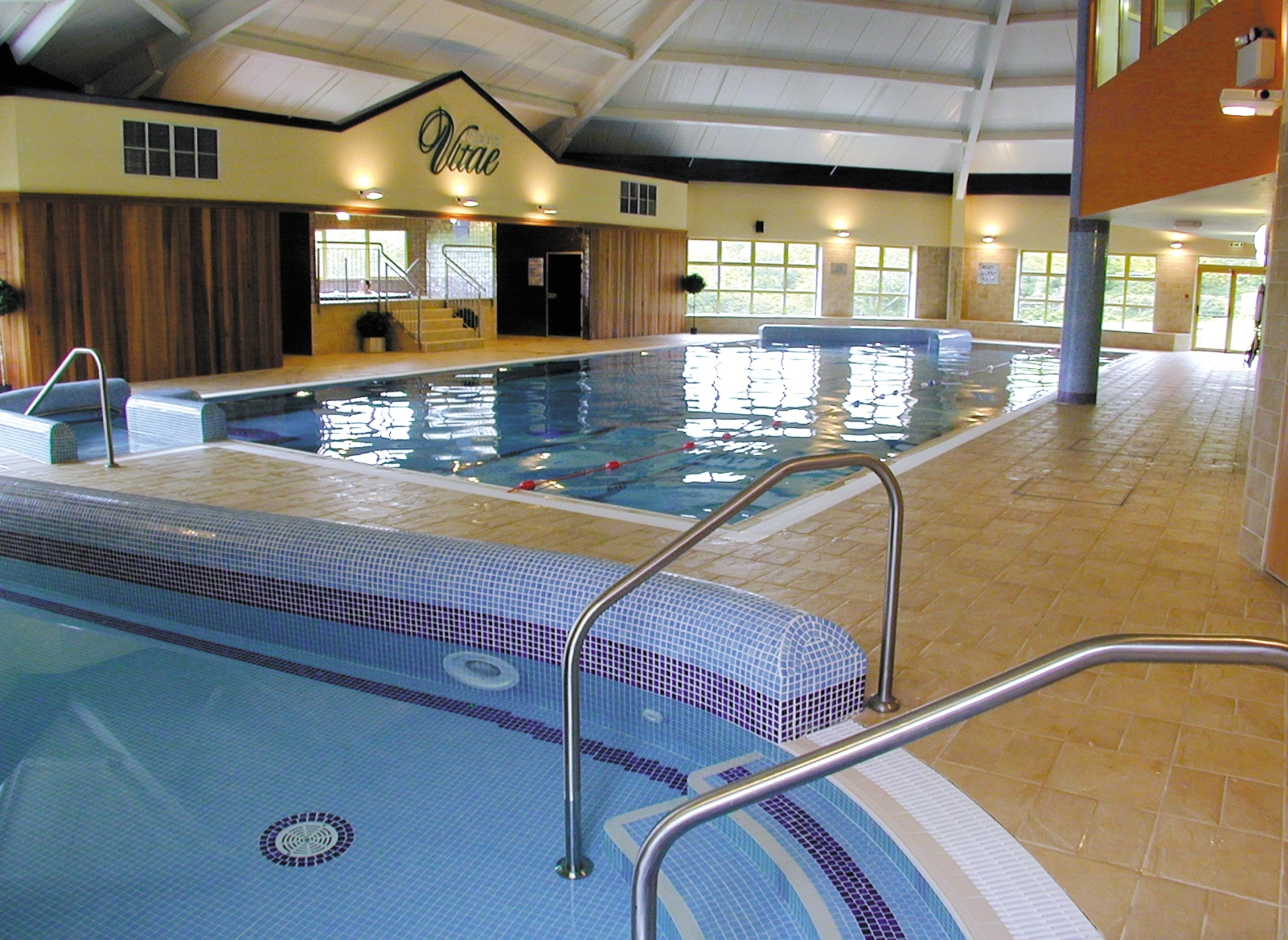 Maldron-Hotel-Wexford-leisure-centre-with-pool-and-childrens-pool